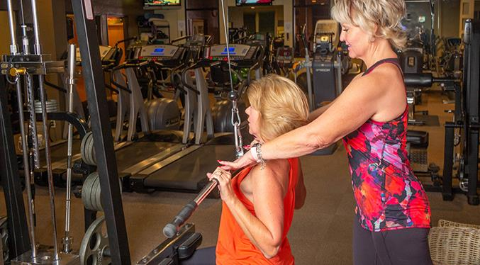 Sierra Fitness trainers actively engage with clients during time together, offer appropriate cuing and provide constructive feedback.